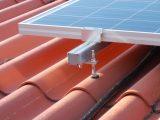 Zonnepanelen op het dak bevestigingsmateriaal