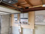Zonnepanelen op het dak omvormers