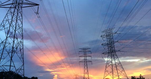 Enexis: 1 gigawatt extra ruimte voor zonnepanelen door vrijgave spitsstrook